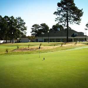 Longleaf Golf & Family Club: Practice green